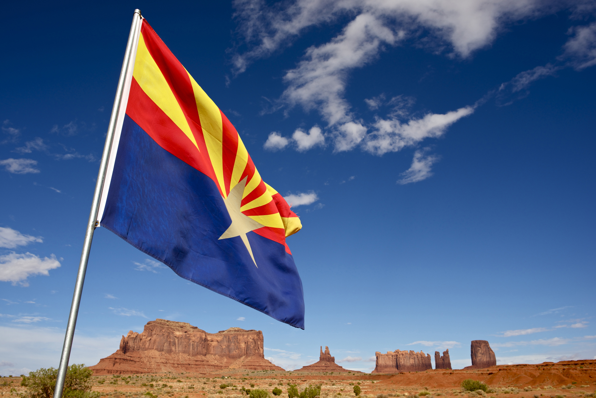 arizona-flag-in-desert1